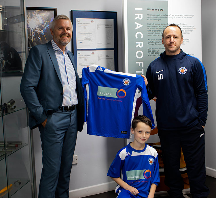 Darren presents new kit to Blandford Blues